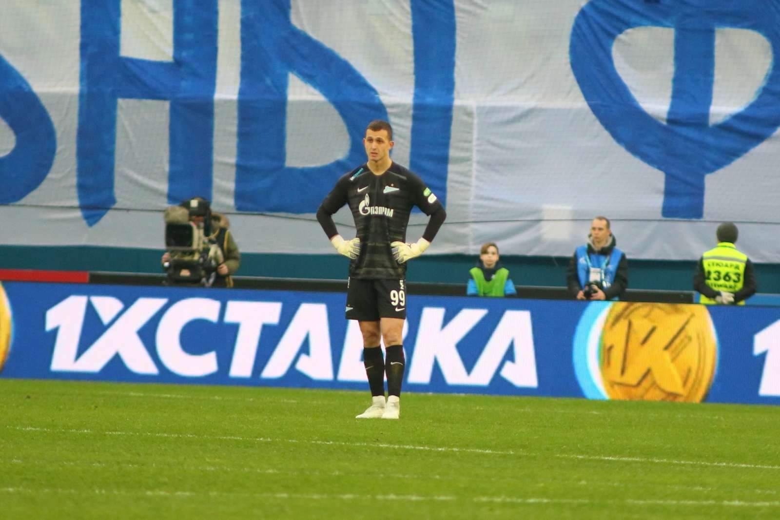 Лунёв - в запасе «Байера» на матч с дортмундской «Боруссией»
