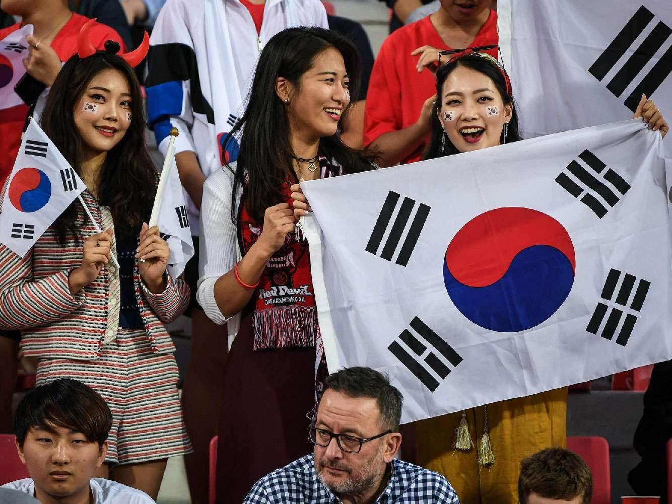 Корейский клуб заменил фанатов на трибунах секс-куклами