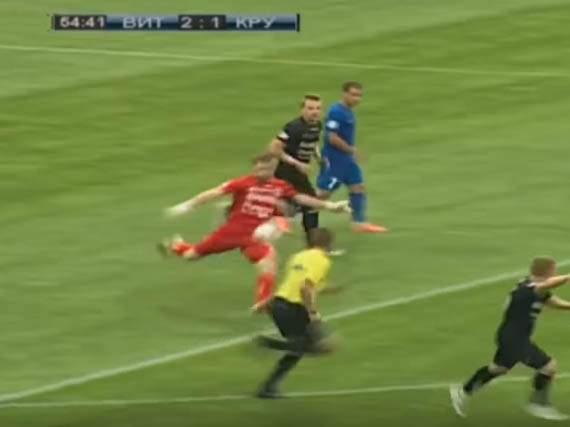 Белорусский вратарь забил гол от своих ворот
