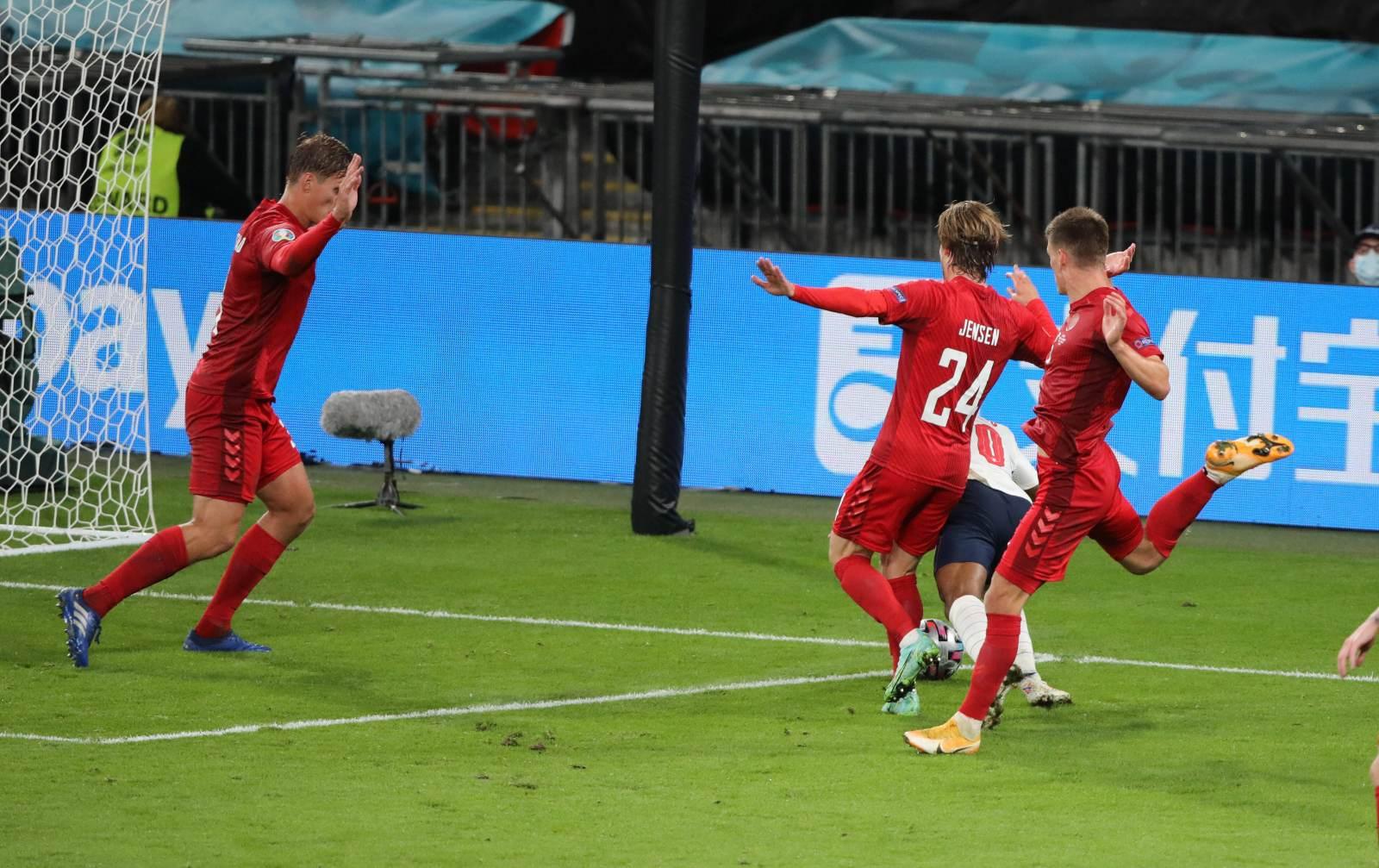 Масалитин: «Решением о пенальти в ворота Дании судья просто сломал игру»