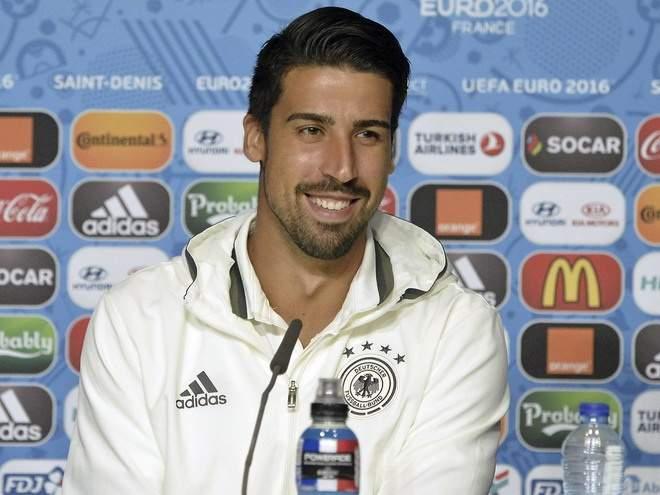 Неотпускает Роналду. Сами Хедира продлил контракт с«Ювентусом» до2021 года