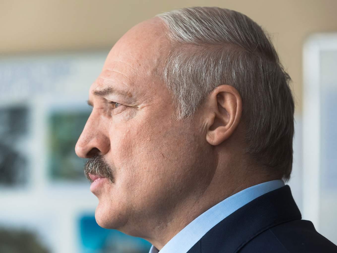 Шутки кончились, 420 заболевших за сутки: В Беларуси пора останавливать футбол