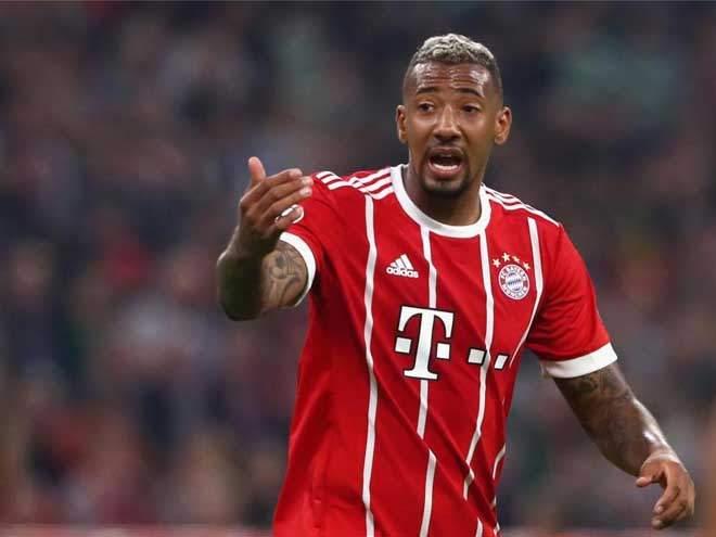 «Бавария» получила пять мячей от «Айнтрахта», играя весь матч в меньшинстве