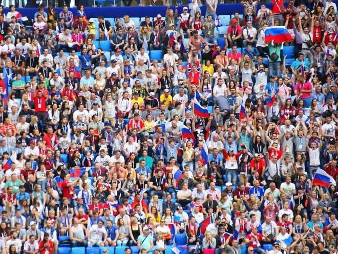 Чемпионат России по футболу может продолжиться со зрителями