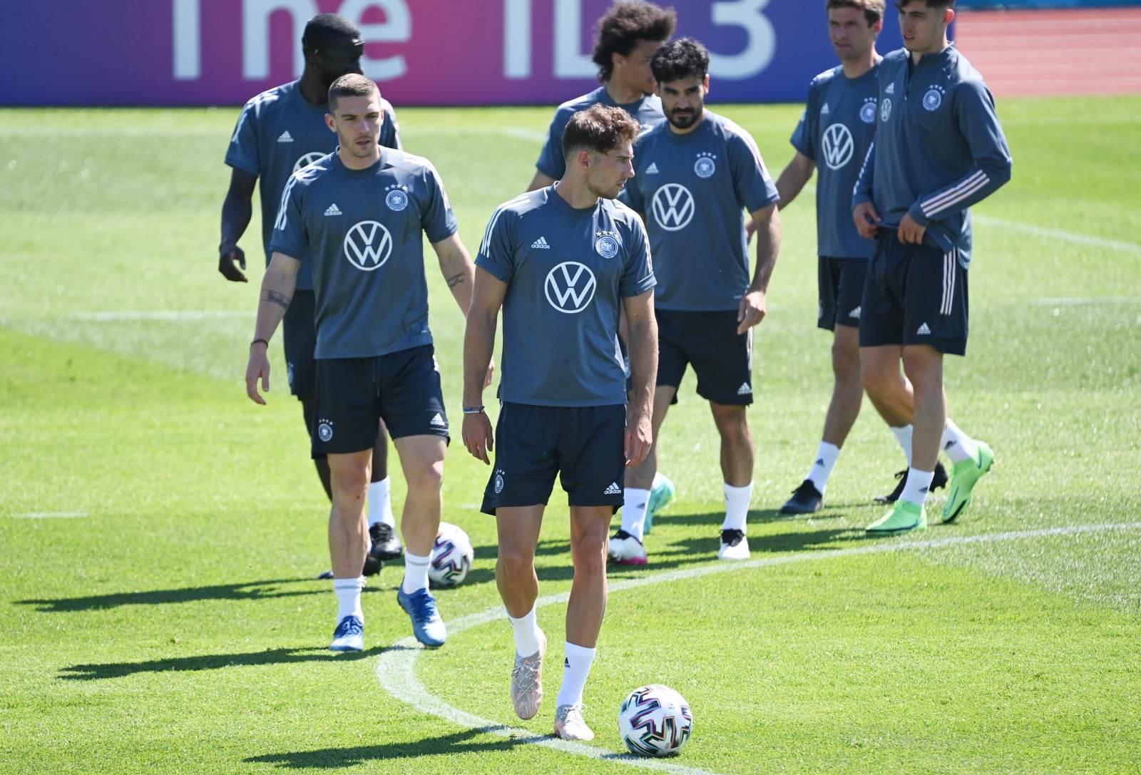Флик провел первую тренировку в сборной Германии