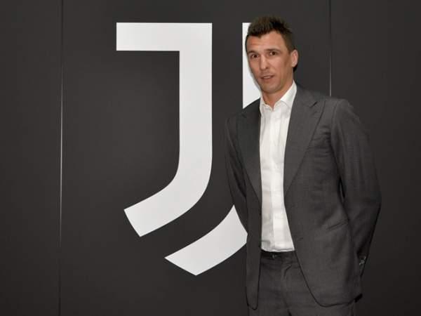 Манджукич прибыл в Италию для подписания контракта с «Миланом»
