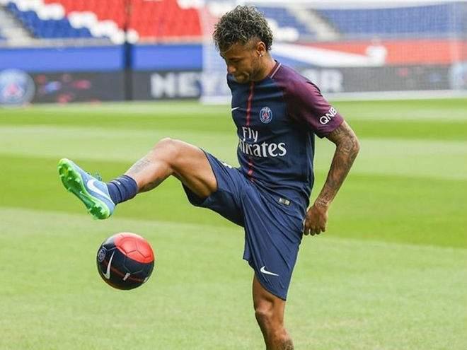 Роберто Карлос: «Неймар - футбольный гений, он может стать лучшим в мире»