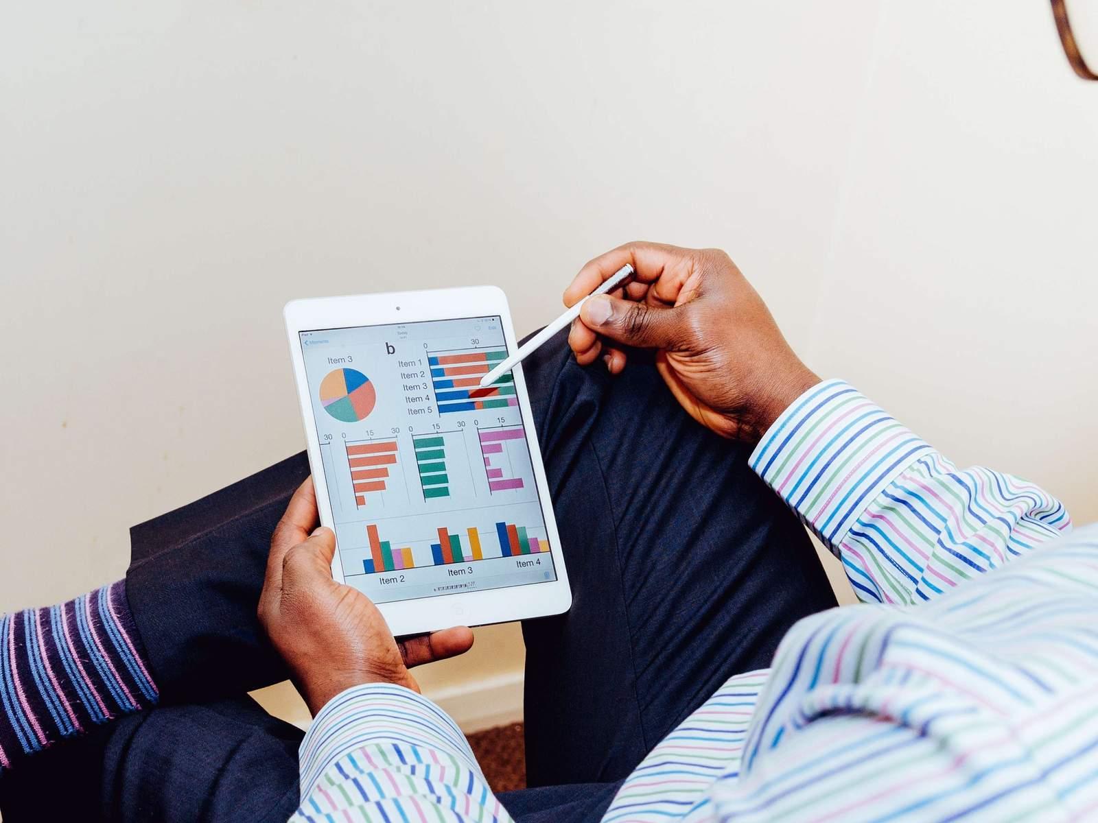 Приложения букмекерских контор для ставок даже позволяют пополнять счет и выводить средства со счета.Все это привлекает беттеров и позволяет им совершать ставки на спорт .