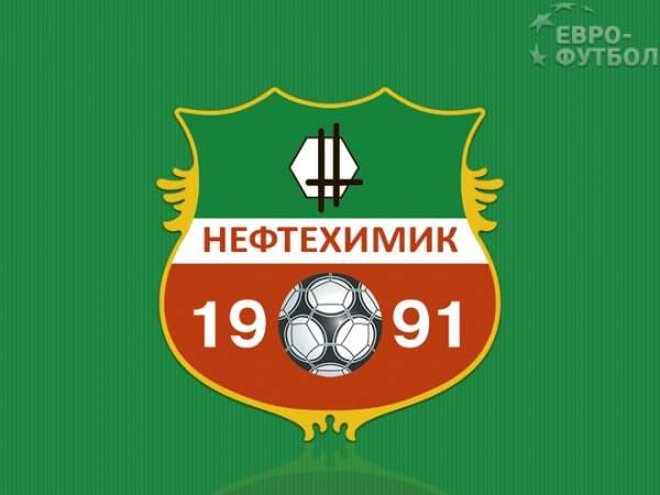 «Нефтехимик» обыграл «Томь», забив два мяча за минуту