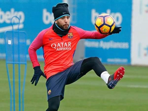 «Барселона» рискует потерять Альбу на 4-5 недель
