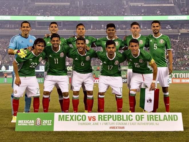 Мексика разгромила США, Уругвай вырвал победу на Коста-Рикой