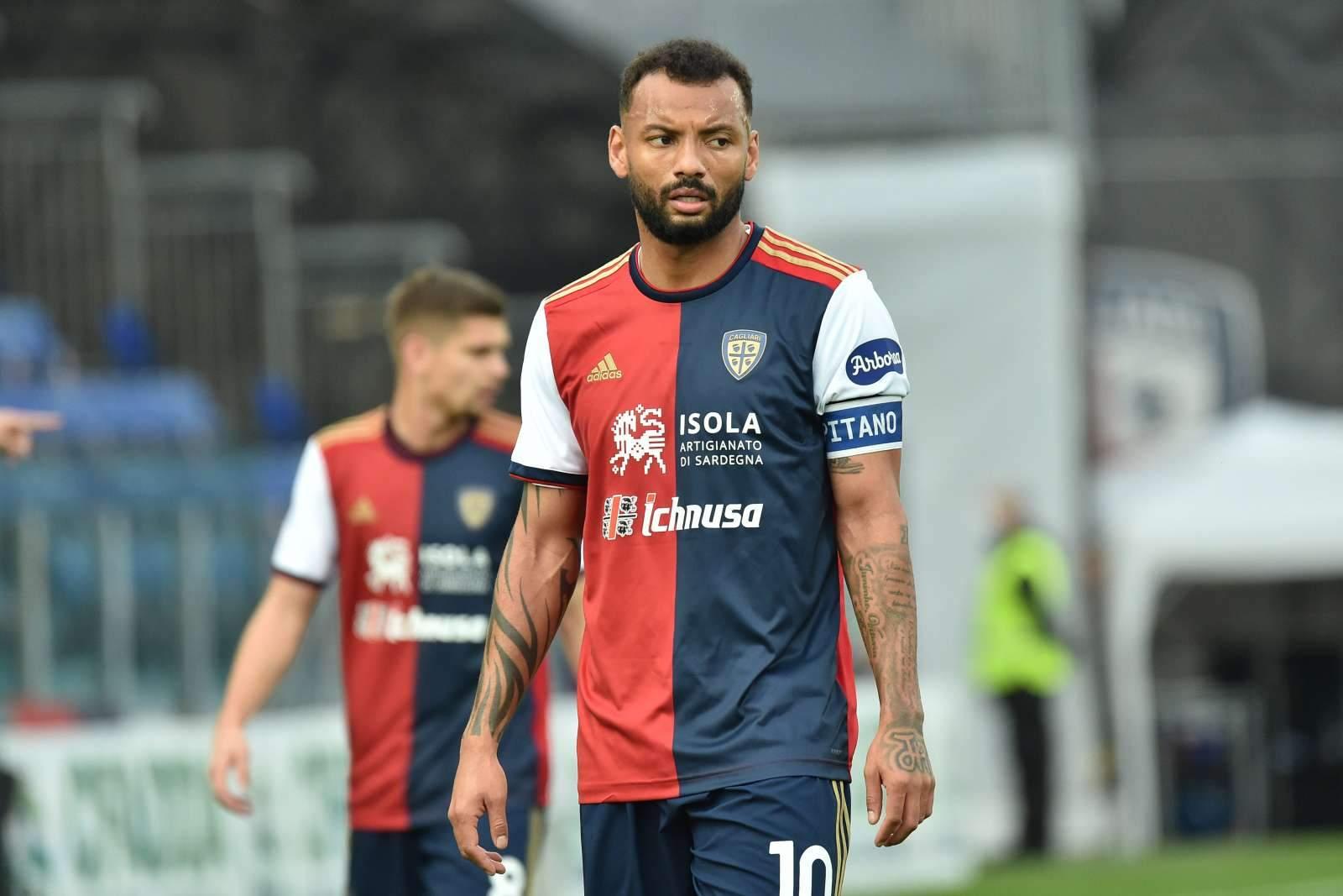 «Кальяри» отыгрался с 0:2 в матче со «Специей»