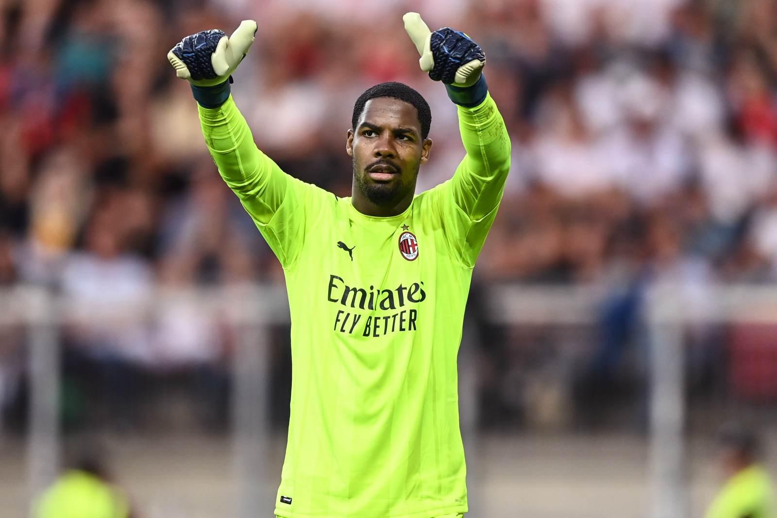 «Милан» лишился основного голкипера на месяц