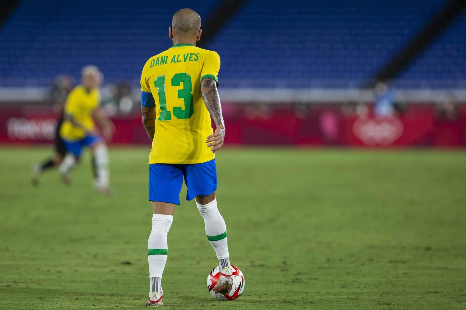 Дани Алвес может остаться в чемпионате Бразилии