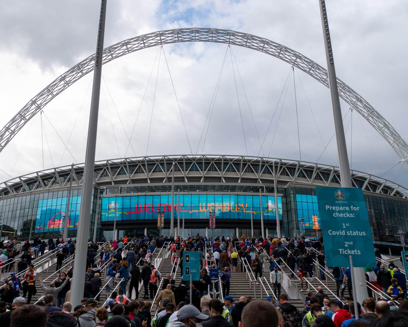 УЕФА намерен дисквалифицировать «Уэмбли» за потасовки на матчах сборных