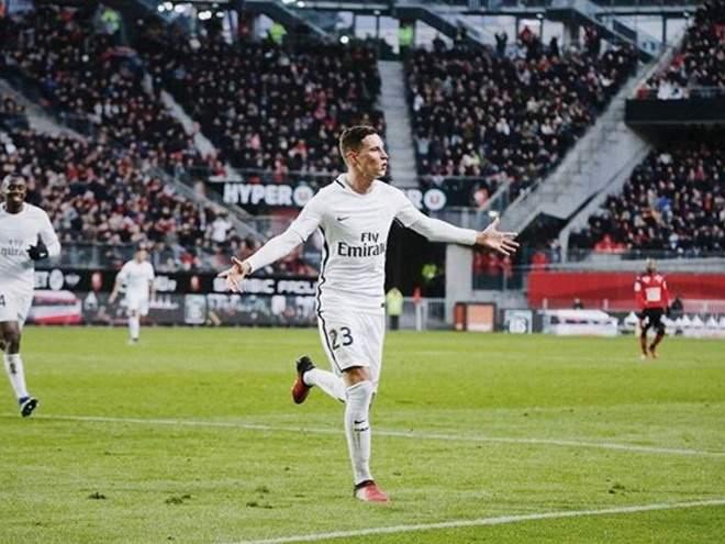 «ПСЖ» в меньшинстве добыл первую победу в сезоне благодаря голу на 90-й минуте