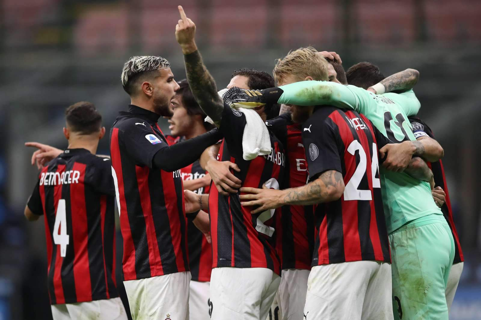 «Милан» со скрипом прошёл «Црвену Звезду», «Рома» снова обыграла «Брагу»