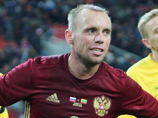 «Мамаев лежал и говорил: «Я сейчас встану и вас закопаю»: Глушаков вспомнил драку в сборной России на Евро