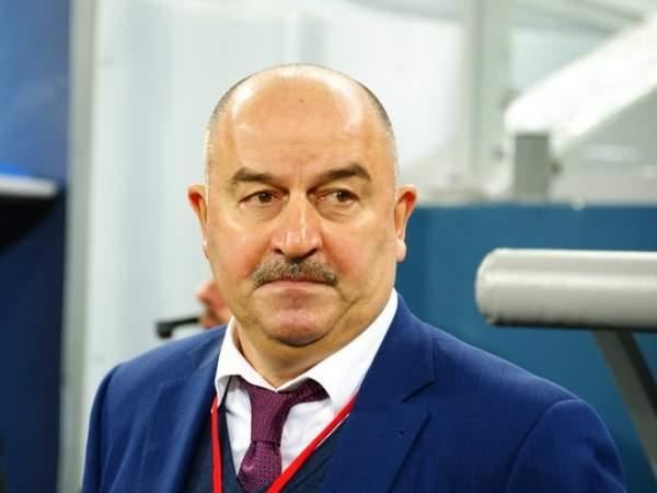 Черчесов объяснил изменения в составе сборной России
