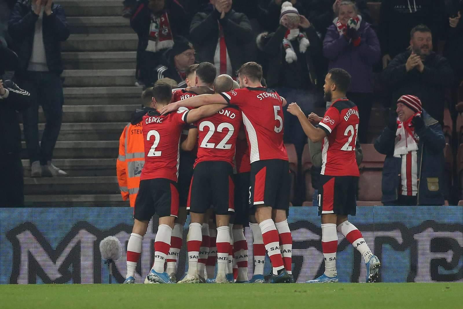 АПЛ перенесла матч между «Лидсом» и «Саутгемптоном» на неопределённое время