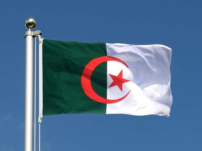 Сборная Алжира уверенно вышла в четвертьфинал Кубка Африки