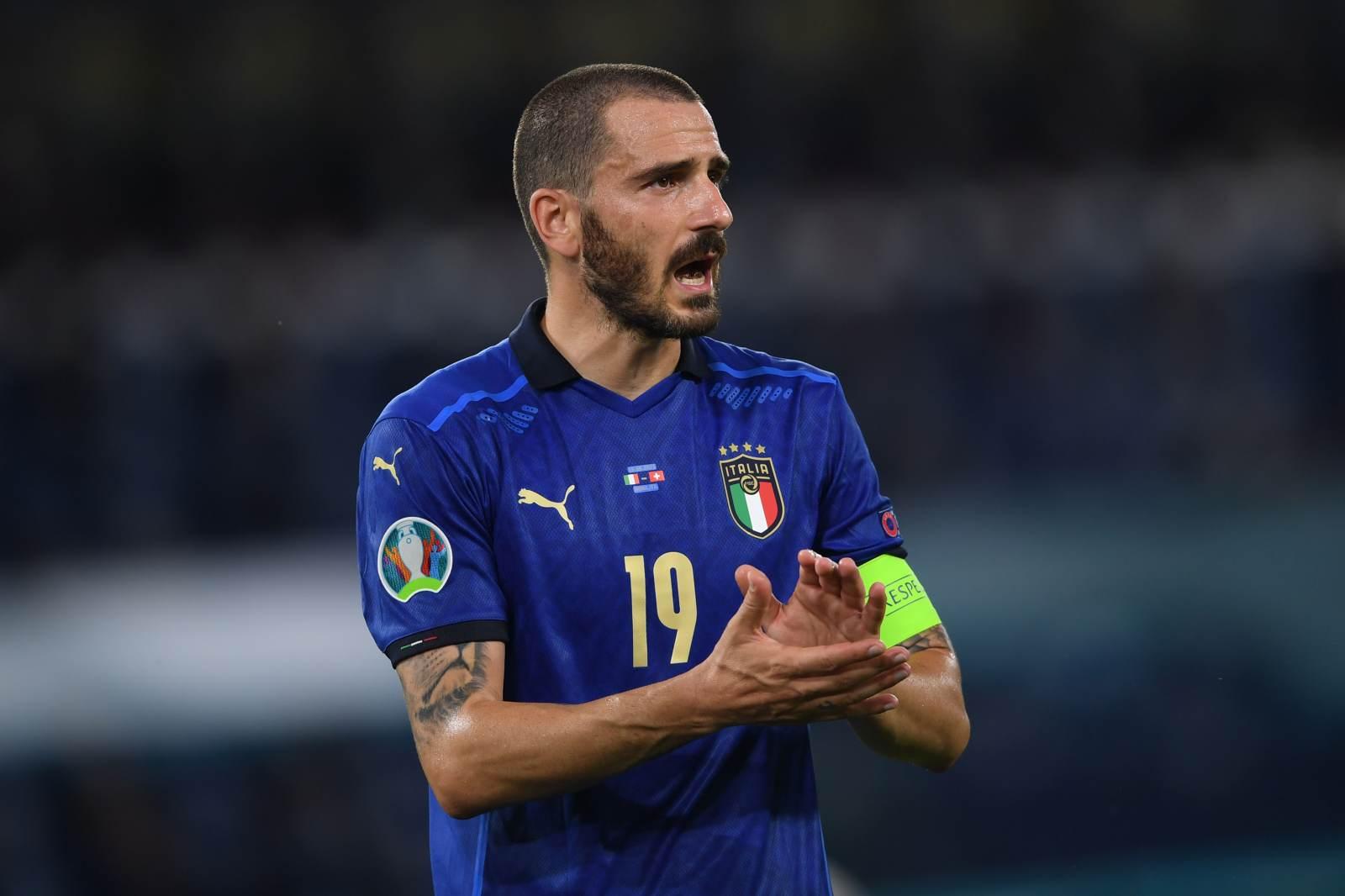 Стюард приняла Бонуччи за фаната после выхода сборной Италии в финал Евро-2020