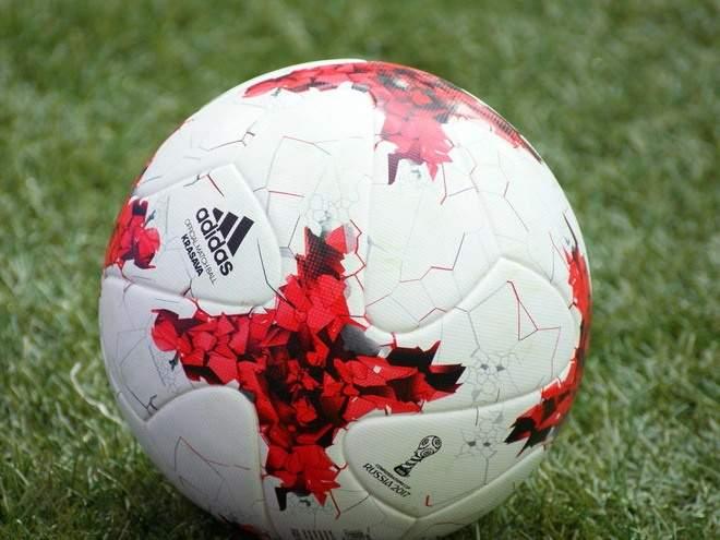 В Парагвае футболист укусил противника за голову