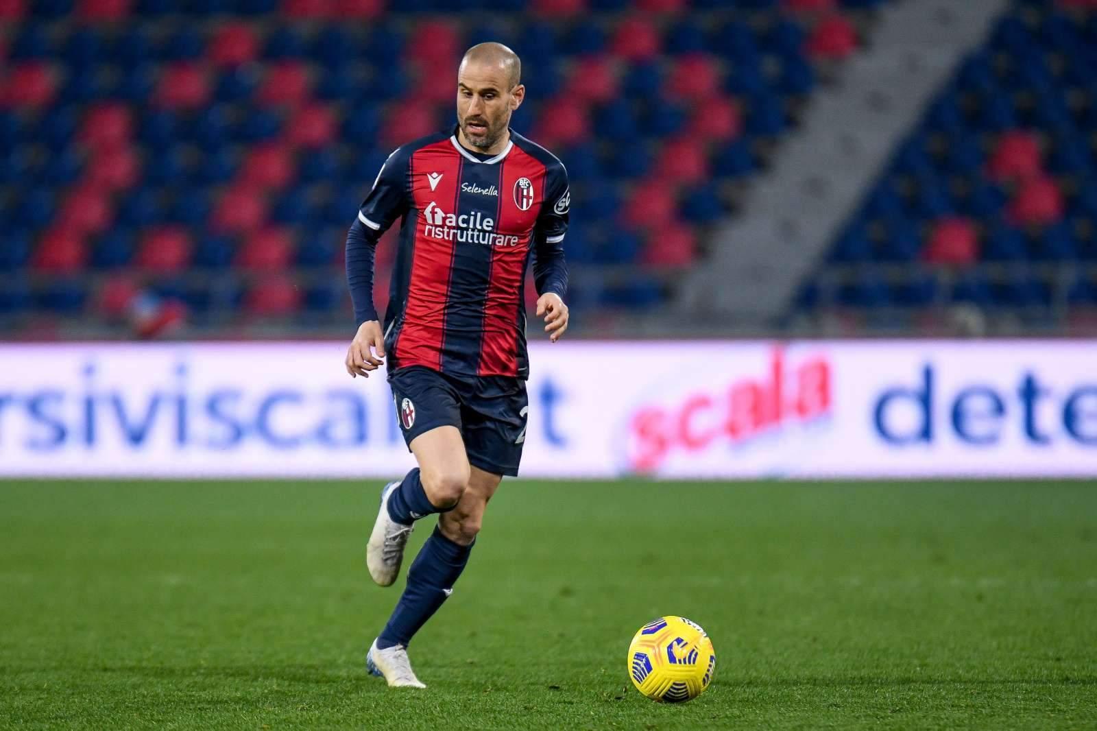 «Наполи» упустил победу над «Кальяри», «Болонья» и «Фиорентина» забили по три гола