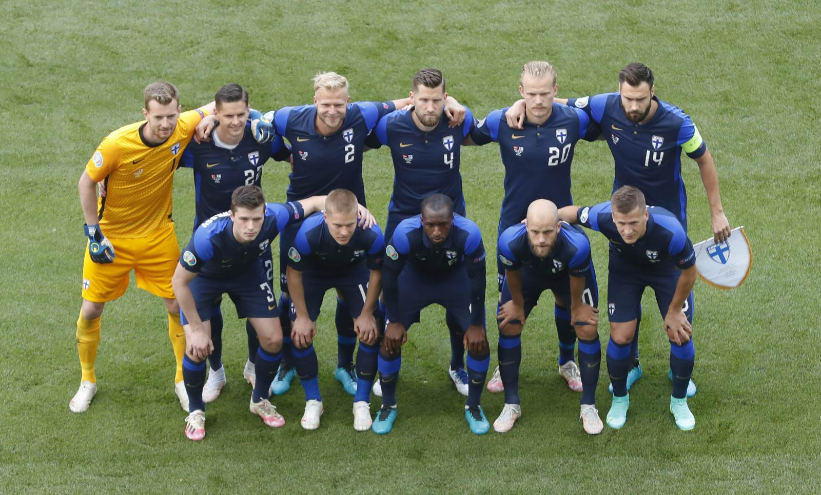 Как-то раз на Евро за Финляндию сыграли англичанин, ирландец, датчанин, русский, голландец, немец и американец