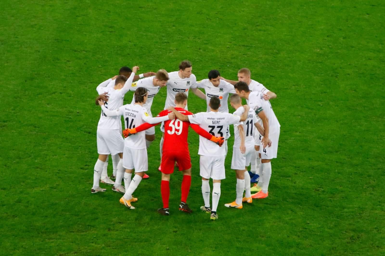 «Краснодар» разгромил солигорский «Шахтёр», Сулейманов получил красную карточку во втором матче за день