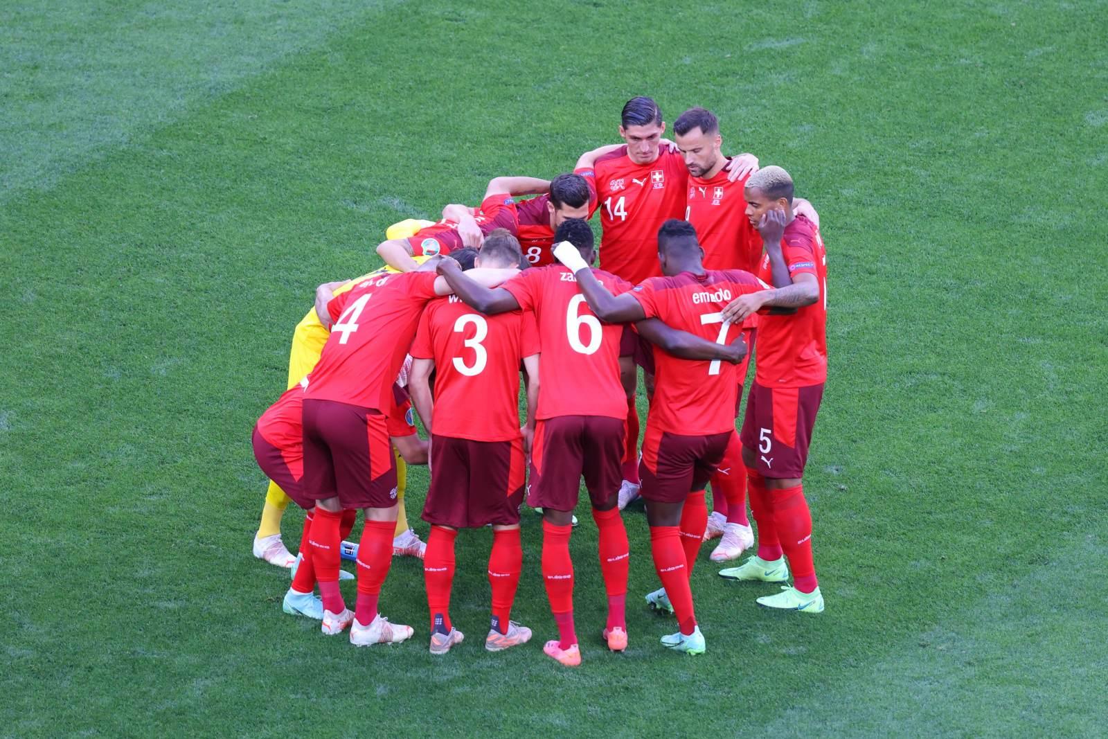 Швейцария разгромила Литву, Болгария набрала три очка