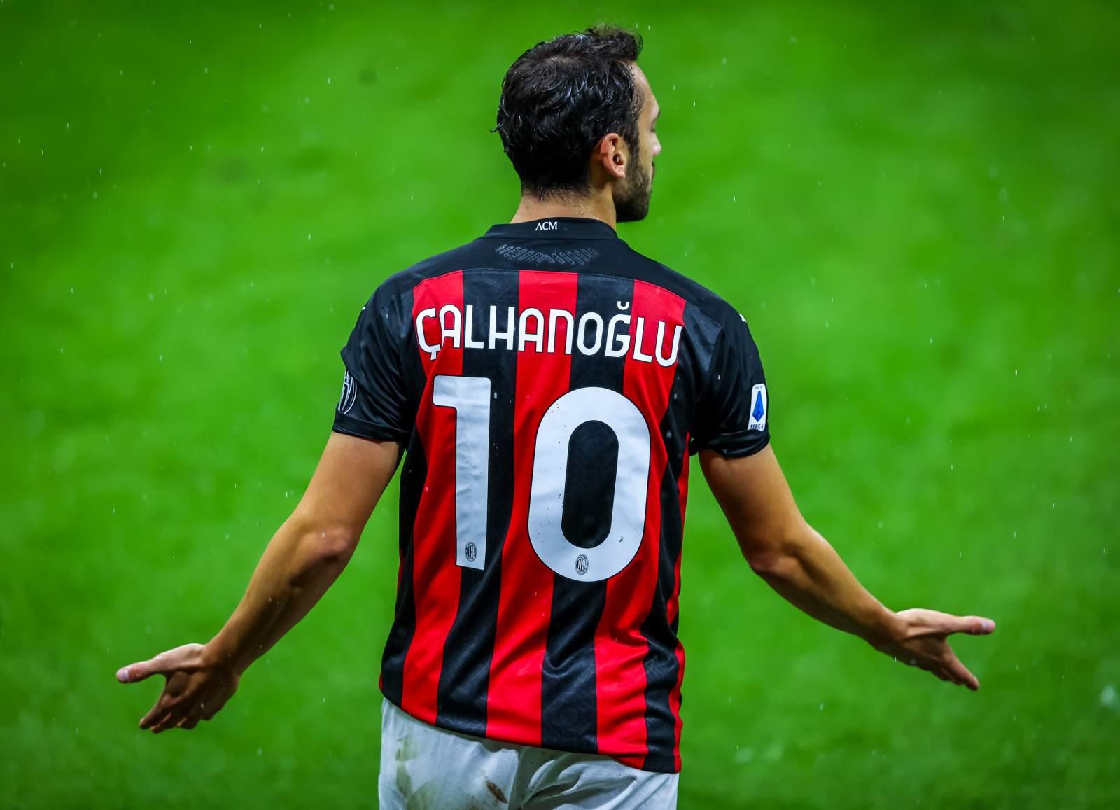 «Милан» не станет продавать Чалханоглу зимой