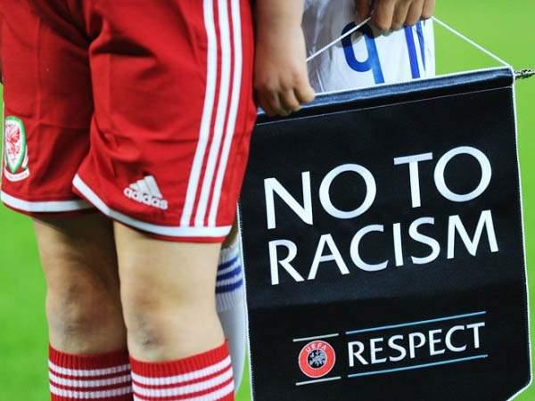 Расизм на Украине, срывы трансляций на «Матч ТВ» и противостояние ОМОНа с фанатами: самые громкие футбольные скандалы уходящего года