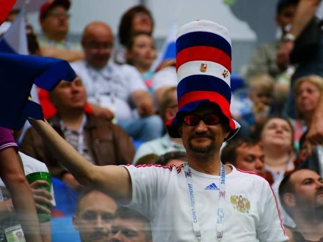 «Губит людей не пиво, губит людей ВАДА»: реакция российских болельщиков на чемпионат мира без флага и гимна