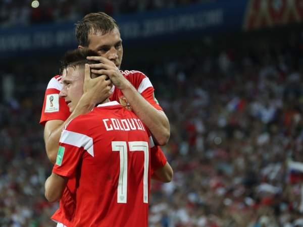 Головин дисквалифицирован на матч с Казахстаном