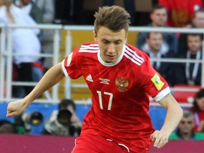 Головин прибыл в сборную России впервые за 490 дней