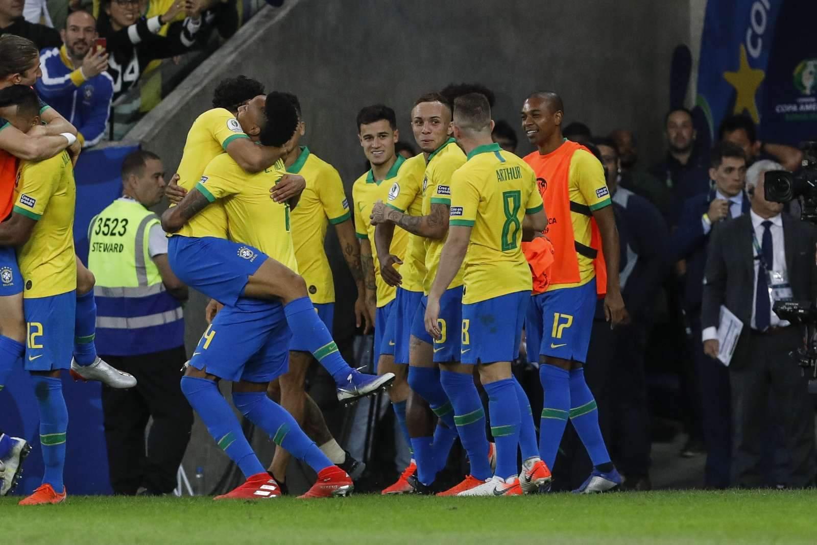 Бразилия обыграла Эквадор благодаря голам Ришарлисона и Неймара
