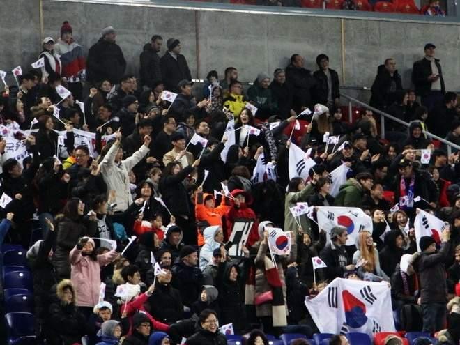 КНДР и Южная Корея сыграли друг с другом на северокорейской территории впервые с 1990 года