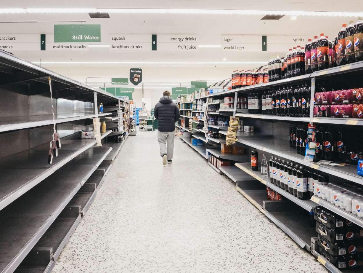 Зинченко рассказал, что тяжелее всего купить в Англии во время пандемии