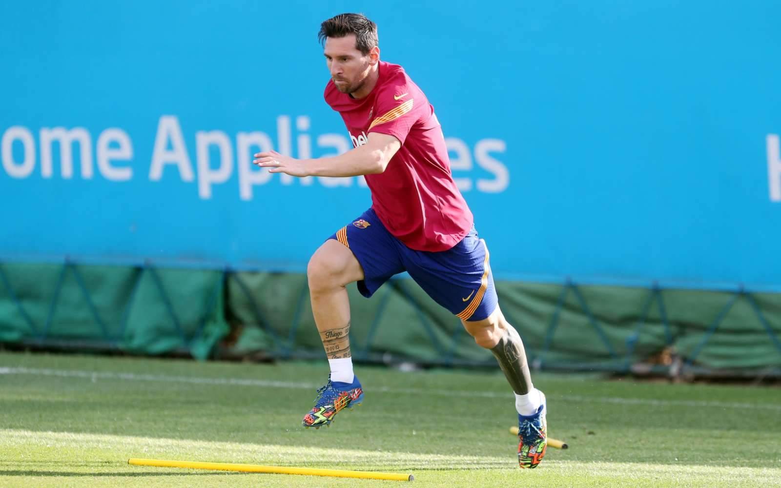 Дубль Месси помог «Барселоне» разгромить «Эльче»