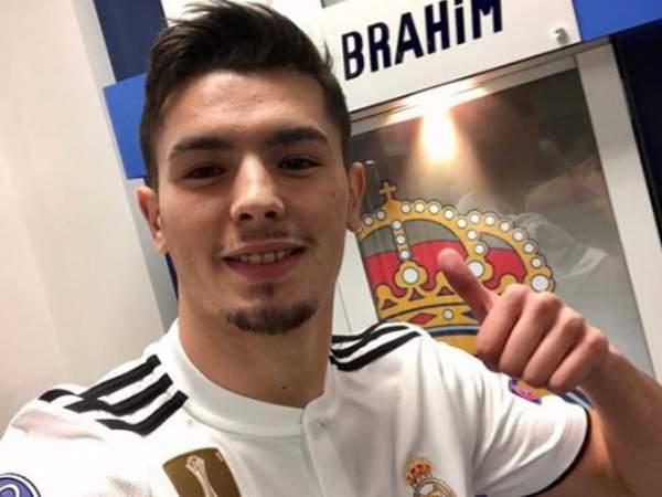«Реал» хочет отдать Диаса в аренду, но игрок против