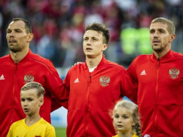 «Русских футболистов заграницей особо неждут»— Головин