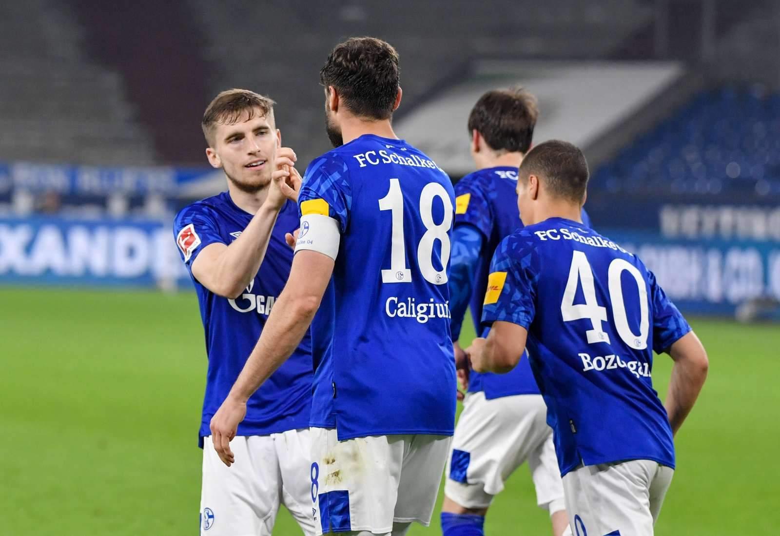 «Шальке» победил во второй раз в сезоне, забив «Аугсбургу» на четвёртой минуте