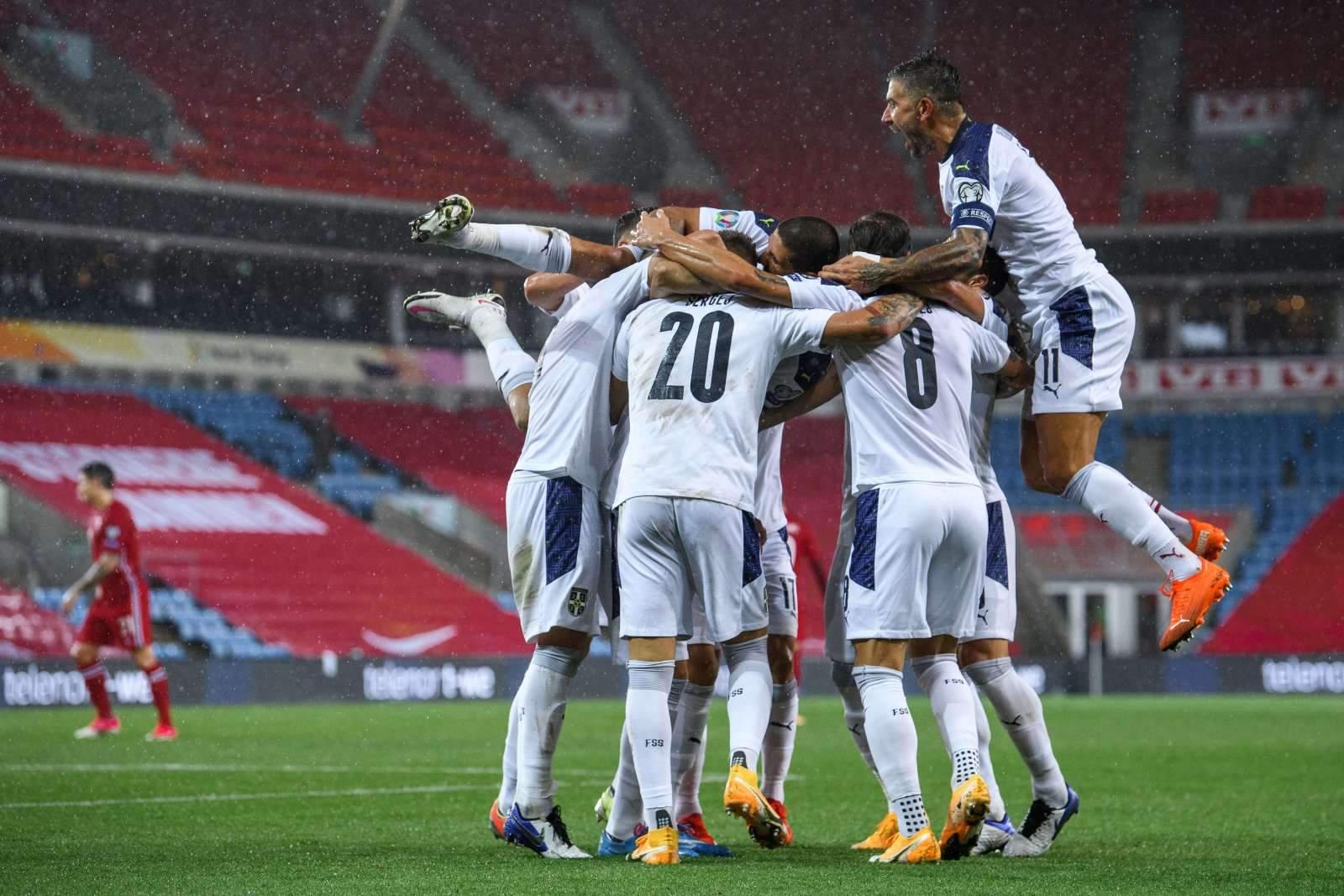 Сборная Сербии уволила тренера – в последнем матче команда обыграла Россию 5:0