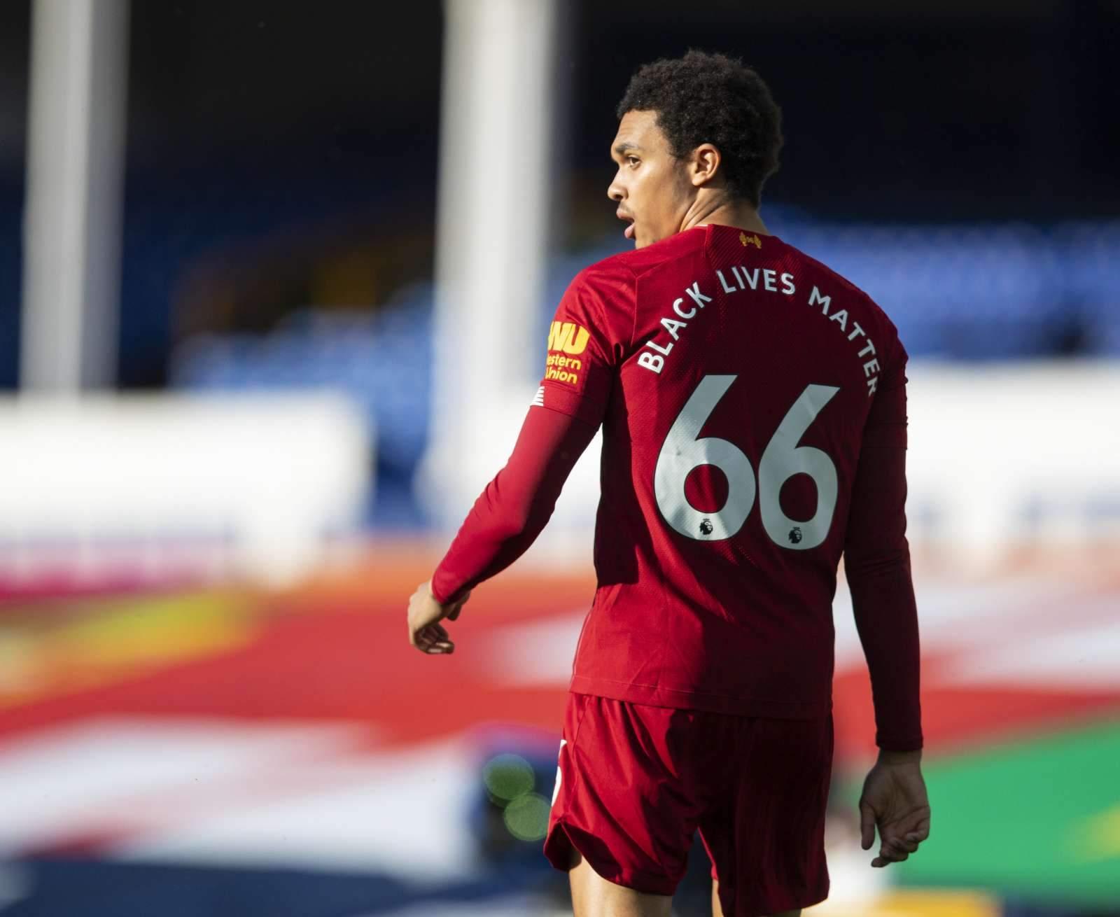 Александер-Арнольд - лучший молодой игрок АПЛ в прошлом сезоне