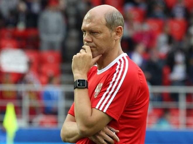 Старший тренер сборной России рассказал о процессе выбора игроков на ЧМ-2018