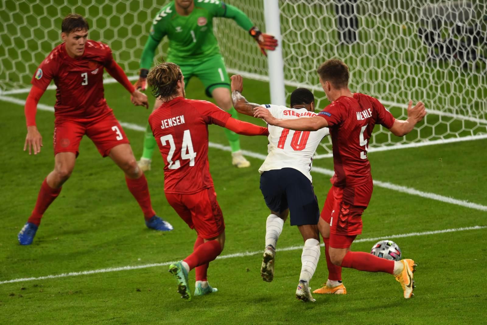 Лепёхин: Было бы обидно, если бы англичане, имея такое преимущество над Данией, не прошли в финал