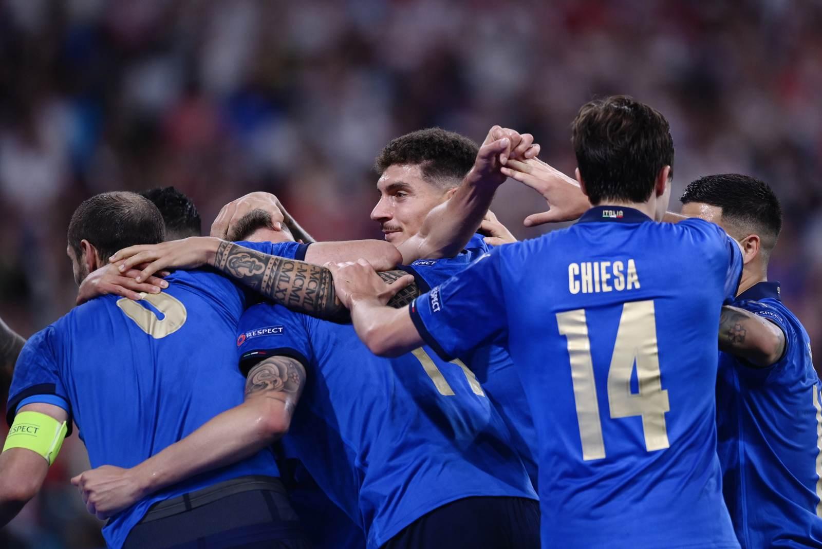 Как сборная Италии переиграла бельгийцев - видео