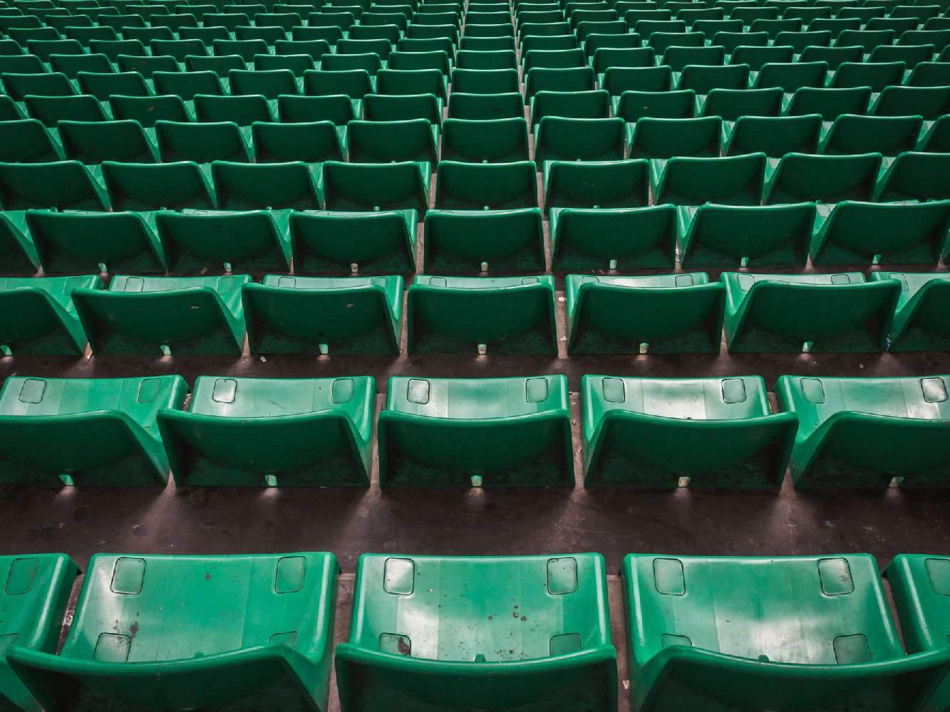 Последний действующий чемпионат Европы по футболу могут закрыть уже в понедельник