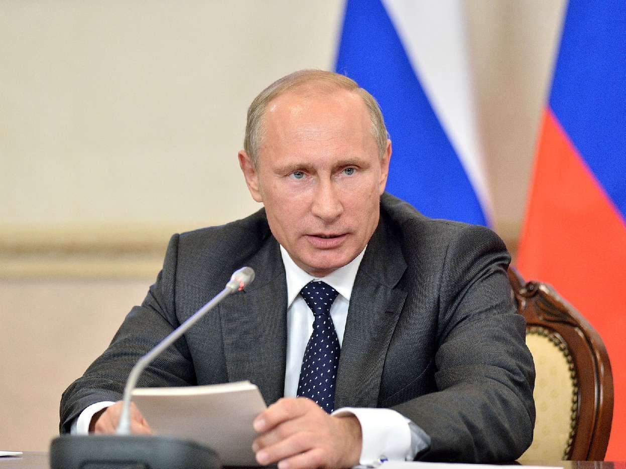 Путин предложил поднять подоходный налог с 13% до 15% для людей, имеющий доход более 5 миллионов рублей в год